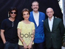 Former President of Mexico Vicente Fox meets SRK Photos