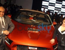 Kareena Kapoor Khan at the unveiling of Tia at Auto Expo 2014 Photos