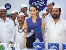Karishma Kapoor unveils Tempo Smart Foodie campaign Photos
