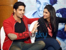 Siddharth and Parineeti at Press Conference of Hasee To Phasee Photos