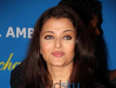 Aishwarya Rai leads UNAIDS mission on issues of women and HIV Photos