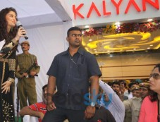Aishwarya Rai stuns Kalyan Jewellers inaugration Photos