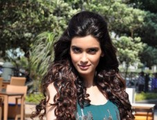 Diana Penty launches Femina Salon & Spa cover Photos