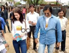 Kalki Koechlin & Vivek Oberoi laying the foundation to help P&G Shiksha School Photos