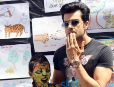 Manish Paul at the Aircel's Save Our Tigers art competition Photos