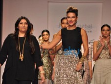 Neha Dhupia walks for LFW 2014 Payal Singhal show Photos