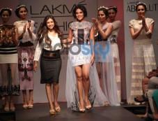 Richa Chadda walks for LFW 2014 Sounia Gohil show Photos