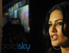 Sunny Leone promtes Ragini MMS 2 at geaity galaxy Photos
