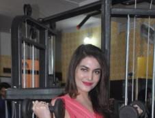 Celebs at Karan Oberoi Fitt Zzone Gym launch Photos