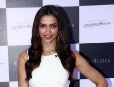 Deepika Padukone launches Van Heusen Spring Summer 2014 collection Photos