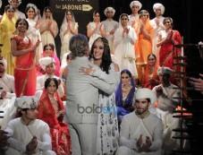 Shraddha Kapoor ramp walks for Rohit Bal show Photos