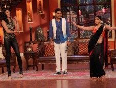 Sushmita Sen stuns at Comedy Nights with Kapil Photos