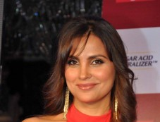 Lara Dutta stuns at Colgate product launch Photos