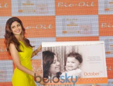 Shilpa Shetty stuns during Yummy Mummy Calender launch Photos