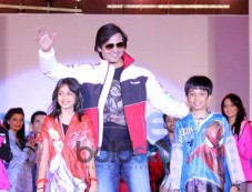 Vivek Oberoi Brand Ambassador for Zeel Rainwear Photos
