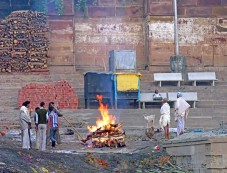 Why Do Hindus Burn Their Dead? Photos