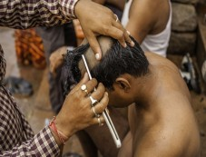 Why Do Hindus Shave Off Their Head? Photos