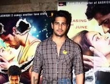 Bollywood Celebs at special screening of Ek Villain Photos