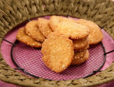 Crispy Sweet Mathri Recipe Photos