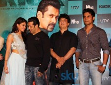 Jacqueline Fernandez and Salman Khan at Kick Trailer Launch Photos