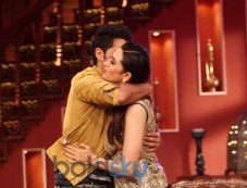 Karisma Kapoor stuns at Lekar Hum Deewana Dil Promotion Photos