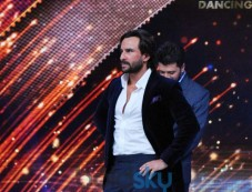 Saif Ali Khan and Riteish Deshmukh at Jhalak Dikhhla Jaa 7 Stage Photos