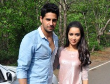 Siddharth and Shraddha promotes Ek villain on the sets of CID Photos