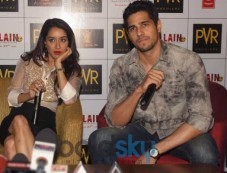 Sidharth Malhotra and Shraddha Kapoor at Ek Villain Press Meet Photos