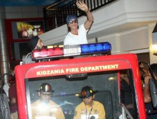 SRK during Fathers Day Celebration Photos