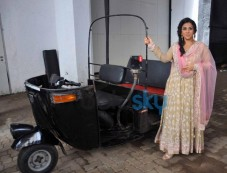 Vidya Balan stuns at Life Ok Awards Special Performance Photos