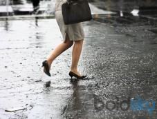 Best Footwear Tips For The Monsoon Photos