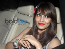 Bipasha Basu Snapped at nido Photos