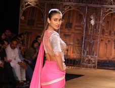 Ileana DCruz stuns at ICW 2014 Sulakshana Couture Photos