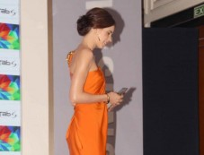 Kalki Koechlin stuns at Samsung Galaxy Tab S Launch Photos