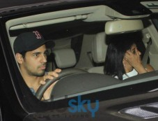 Siddharth Malhotra snapped at Karan Johar House Photos