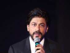 SRK launches Leading Jewellers Photos