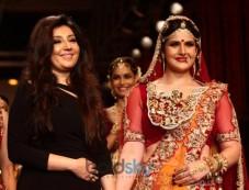 Zarine Khan stuns in Swarovski Gemvision Bridal Jewelery Photos