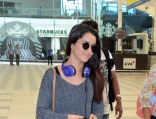 Shahid And Shraddha Snapped At Airport Photos