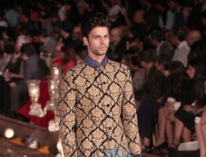 Wills India Fashion Week 2015 Grand Finale By Rohit Bal Photos