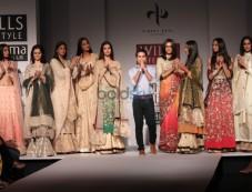 Wills India Fashion Week 2015 - Vineet Bahl Photos