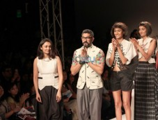 Wills India Fashion Week 2015 -  Vivek Karunakaran Photos