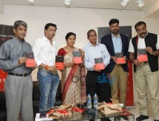 Madhur Bhandarkar Unveil Sandeep Unnithan's book  'Black Tornado' Photos