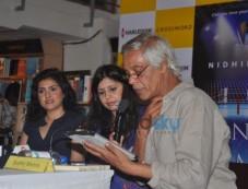 Nidhie Sharma, Amrita Singh And Sudhir Mishra Photos