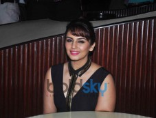 Gorgeous Huma Qureshi Launches Oriflame 'The One' Cosmetics Range Photos