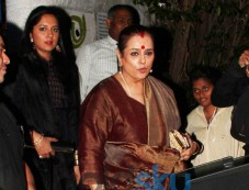 Sonakshi Sinha Snapped At Olive Bandra With Mom And Sister In Law For Dinner Photos
