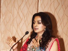 Juhi Chawla At The Inauguration Of Dialysis Centre In Dalvi Hospital In Mumbai Photos