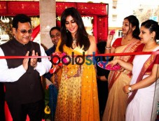 Chitrangada Singh At The Inaugration Of 63rd Showroom Of Senco Gold And Diamonds In NewDelhi Photos