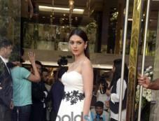 Aditi Rao Hydari Visit Chintamani Store Photos
