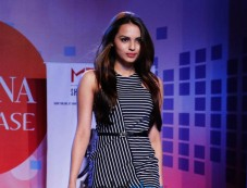 Gail Nicole Da Silva Walking The Ramp At Femina Festive Showcase May 2015 Photos