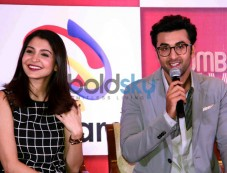 Ranbir And Anushka Photos